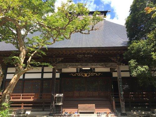 医王寺の本堂等