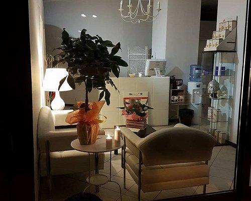 Centro estetico New Essenza Firenze la saletta per l'accoglienza clienti