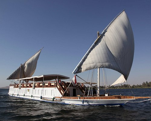 Dahabya, 6 cabins plus 2 suites private boat on the Nile.