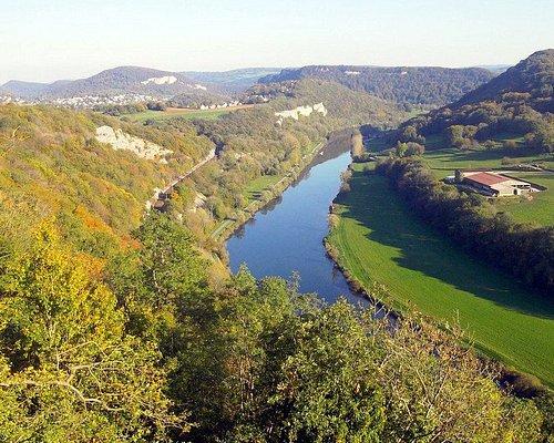 Vue sur la vallée du Doubs depuis le Saut de Gamache