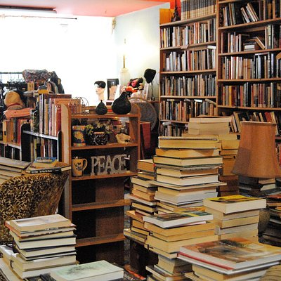Books everywhere--and lots of seating....what more could you as for?