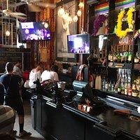Brunch line & bar