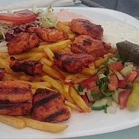 Шиш-кебаб из курицы; вкусно и очень много