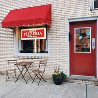 Frank's Pizzeria Storefront