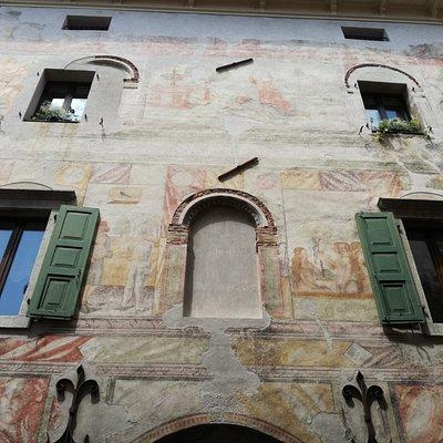 Facciata di Palazzo Levrini Stringher