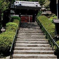 関西身延の碑