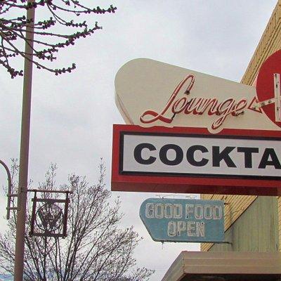 Opens at 10, closes at 12 - fun on Main Street, Clarkdale