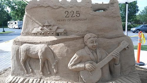 Sand sculpture, one side