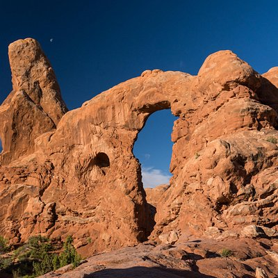 Turret Arch Nicely Lit in the Morning