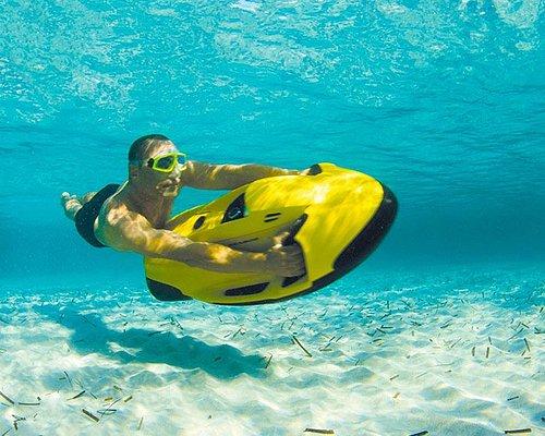 Submersible jusqu'à 2,5 mètres, cet engin se pilote sans permis.