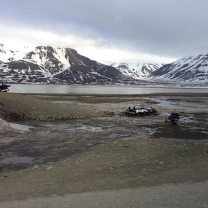 Svalbard Bus and Taxi