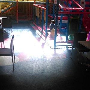 Salle d'anniversaire et structure de jeux