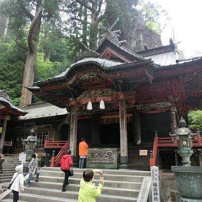 本社・拝殿