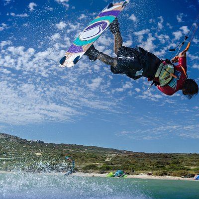 Learn to kitesurf at Zeestock