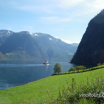 Full-day tours across Norway - fjords, fishing and waterfalls.