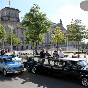Trabi-XXL Trabant limousines for unique city tours in Berlin