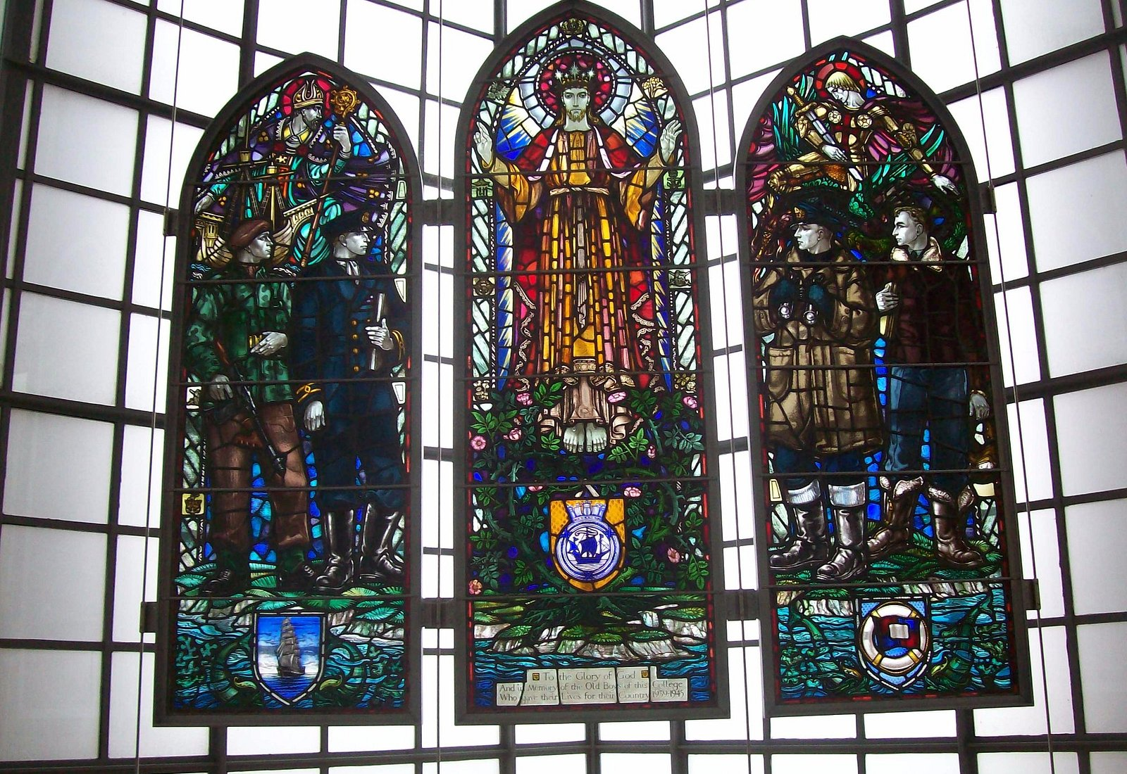 Old Pangbournian Stained Glass Windows in memory of 177 Pangbourne College Students who died in