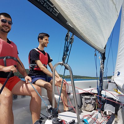 Basic sailing course in laser stratos could be done in two or three persons