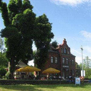 Draisinen-Bahnhof Mellensee. Möglichkeit zum Picknicken und Minigolfspielen