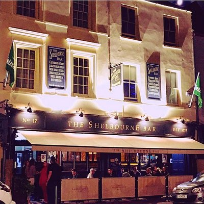 The Shelbourne Bar comes to life by night!