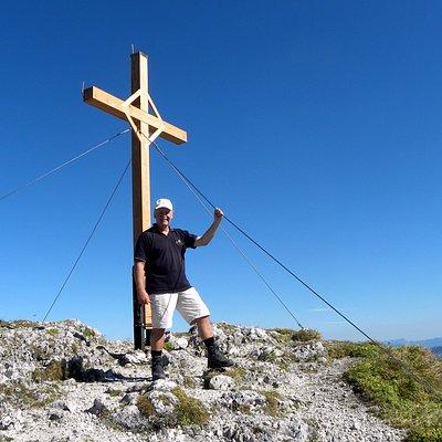 Gipfelkreuz Pyramidenspitze auf 1.999 m.