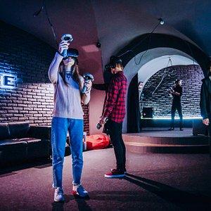CUBE клуб виртуальной реальности в Днепре