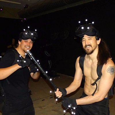 Int. DJ Steve Aoki zu Besuch im VR Center