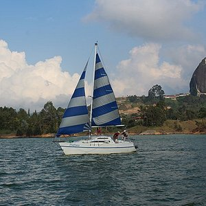 Disfrutemos del agua y el viento. sin ruidos, ni contaminación.
