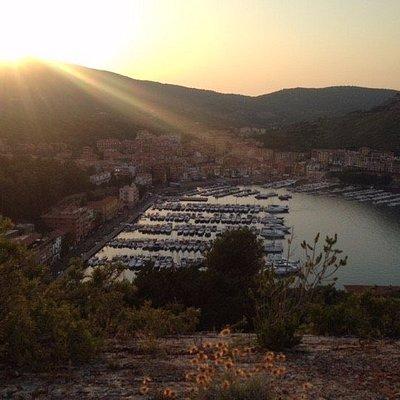 Vista dalla rocca al tramonto