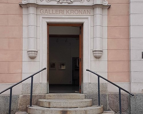 Entré, tidigare låg här Apotek Kronan