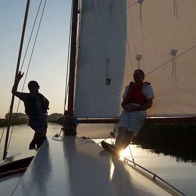"""Evening sail on """"Bright Spark, traditional gaff rigged sailing yacht,sleeps 4/5"""