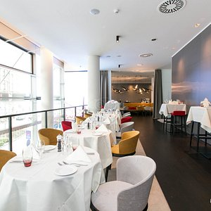 Breakfast Restaurant at the NH Collection Frankfurt City