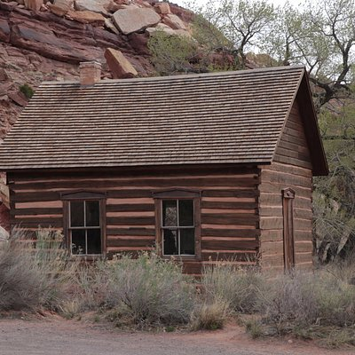 Fruita Schoolhouse in Capital Reef National Park (2)