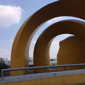 Arcos vistos desde el paso a desnivel de Mariano Otero