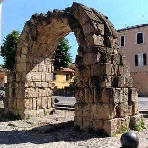 Porta Montanara