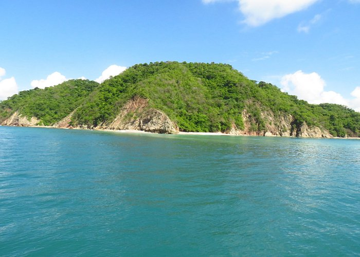 An approach to Tortuga Island.