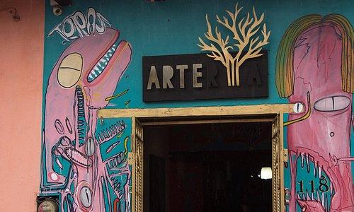 Te esperamos de 10:30 a 20:00 hrs. todos los días de la semana.  Mural de  el joven artista Tera
