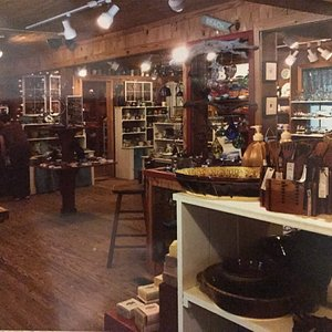 Amazing craftsmanship and a wide variety of items to choose from. Great place for unique gifts.