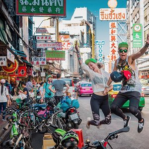 Have fun with a Follow Me Bangkok adventure
