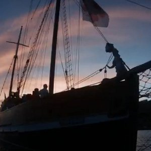 Atardecer en la Ría de Vigo. Antigua goleta restaurada.