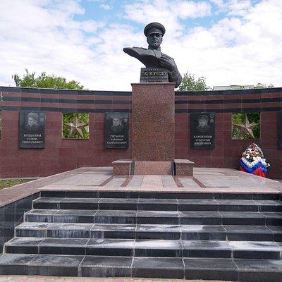 Памятник Г.К. Жукову и мемориальный комплекс ВОВ 1941-1945 гг.