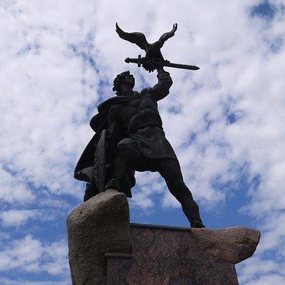 Памятник Владимиру Донскому