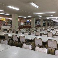 食事をするスペース かなりの人数が座れる