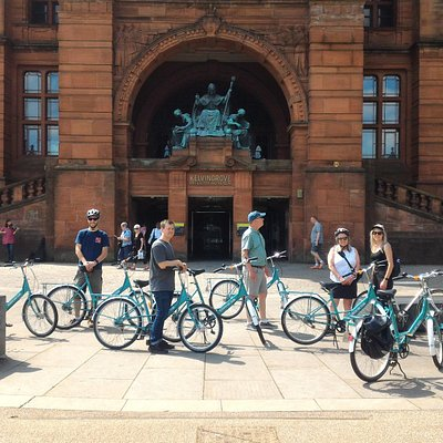 Glasgow Bike Tours at the Kelvingrove Art Gallery and Museum Glasgow