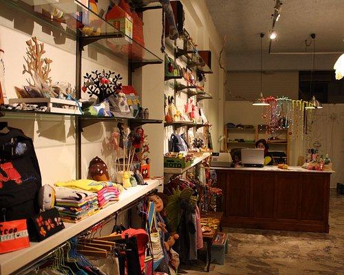 Το κατάστημά μας / Our workshop