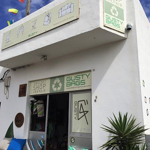 Front of Gusty Shop
