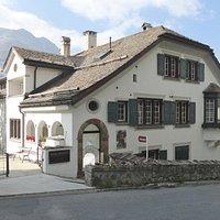 Berry Museum, Villa Arona