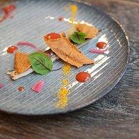 ASPIC Paris - Maquereau, moutarde, orange sanguine, oseille pourpre, oignon rouge