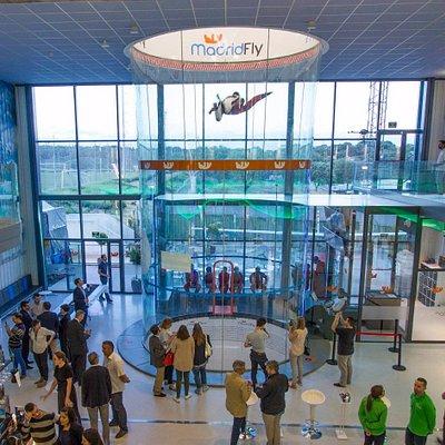 ¡Sala principal de Madrid Fly!