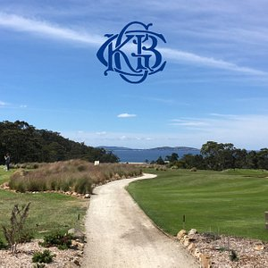 Welcome to picturesque and friendly Kingston Beach Golf Club, where visitors and green fee playe